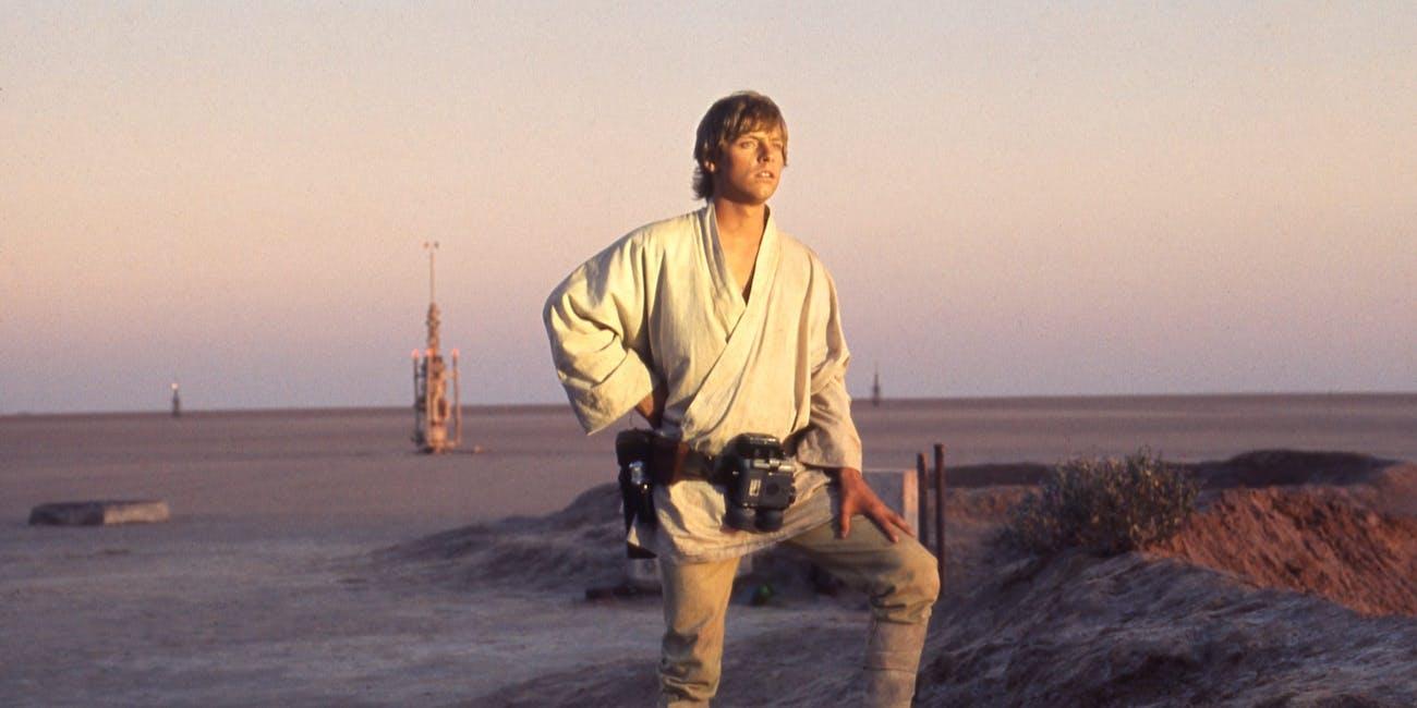 New 'Mandalorian' Poster Confirms Disney+ Series Returns to Tattooine