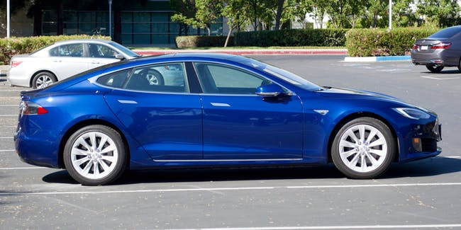 Tesla Model S, pretty blue. DSC_0066