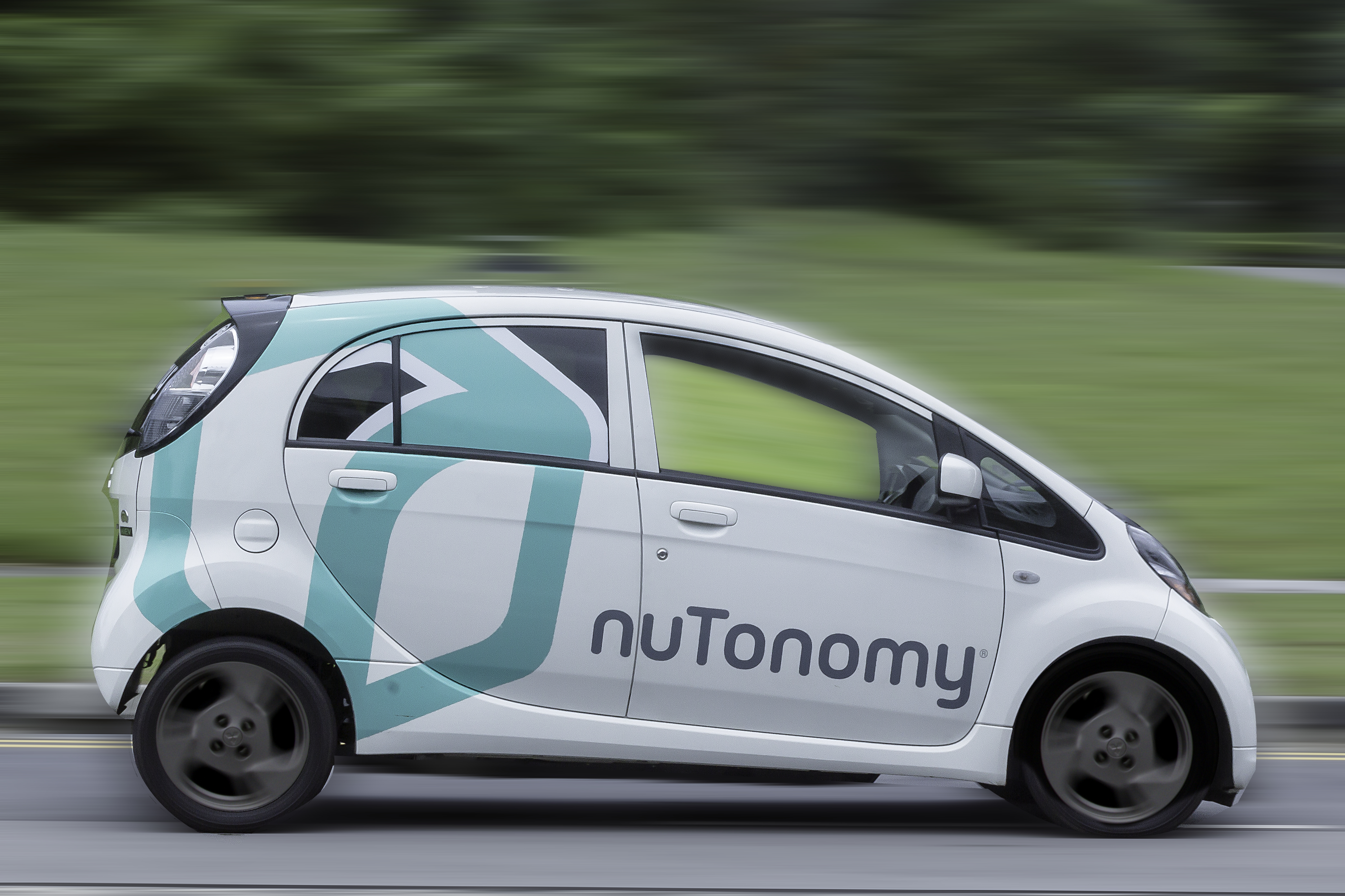 NuTonomy wants to put driverless taxis in Singapore by 2018.