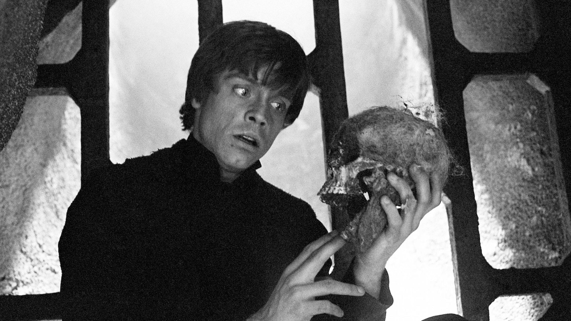 Luke Gets his Hamlet on