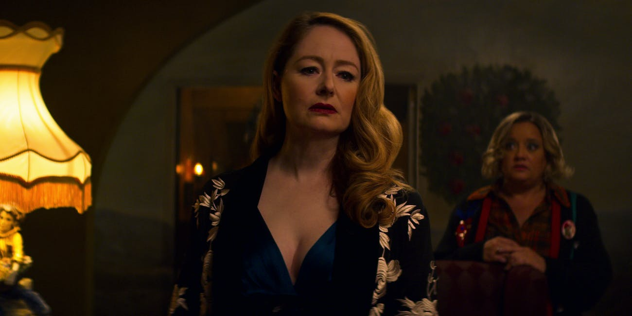 chilling adventures sabrina midwinters tale christmas special zelda hilda miranda otto lucy davis