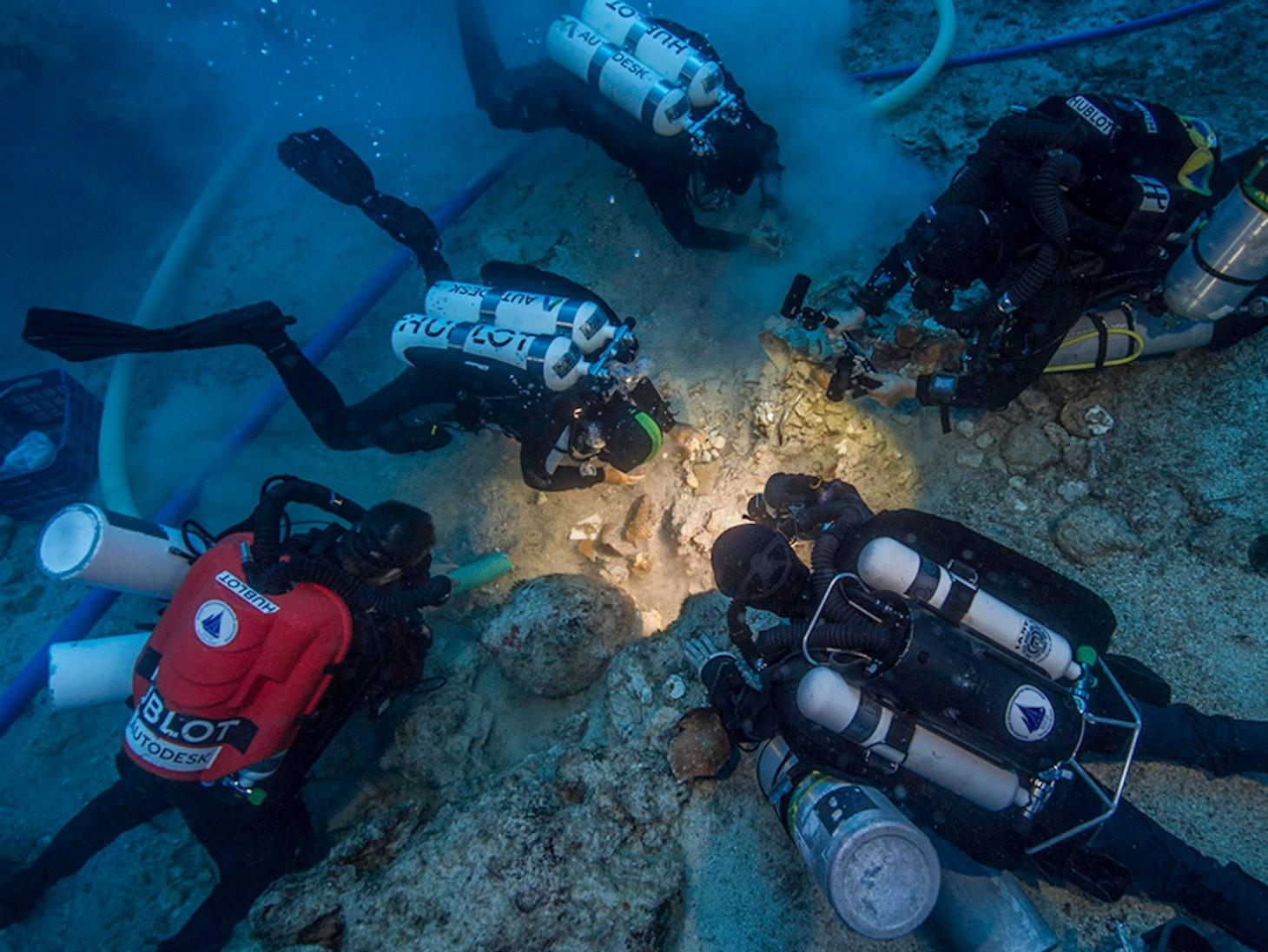 Antikythera wreck skeleton DNA