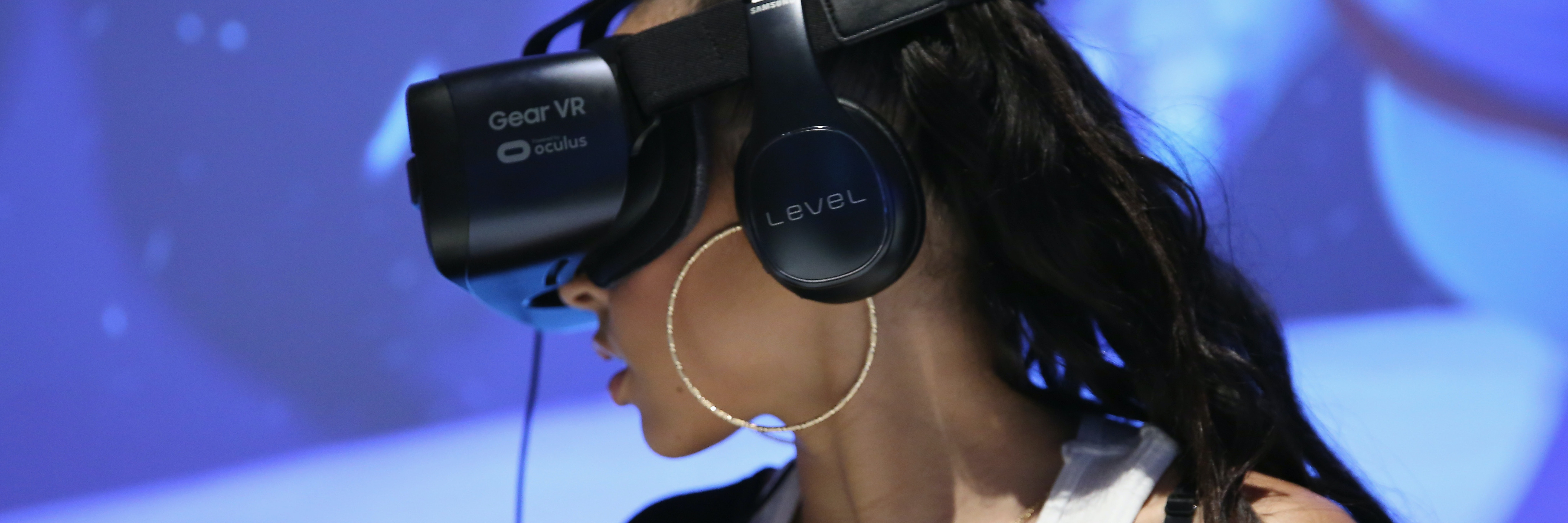 Singer Tinashe experiences Samsung VR at Tinashe LIVE + Z100 Jingle Ball Viewing Party at Samsung 837 on December 9 in New York City.