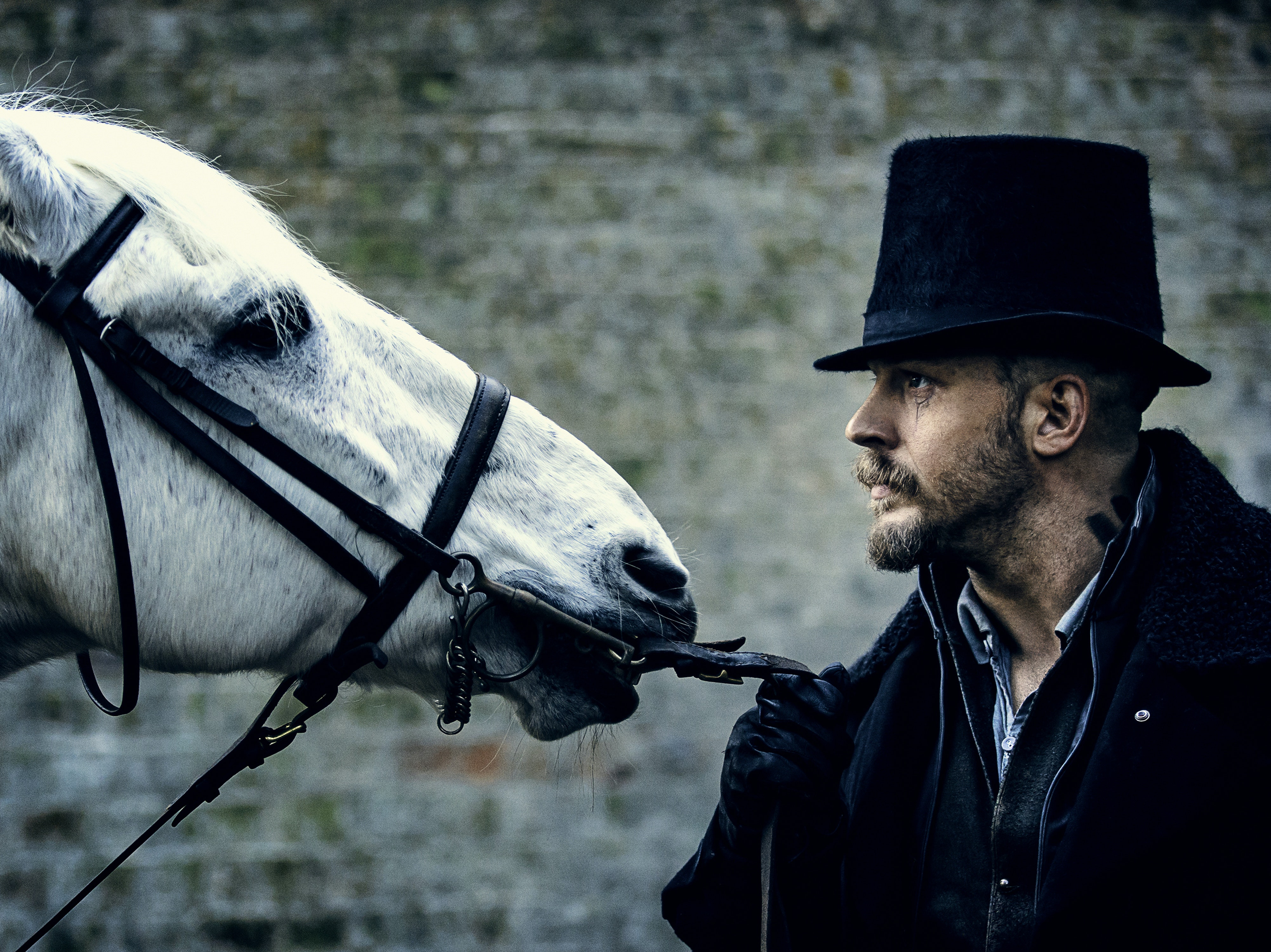 Tom Hardy is magical in 'Taboo'