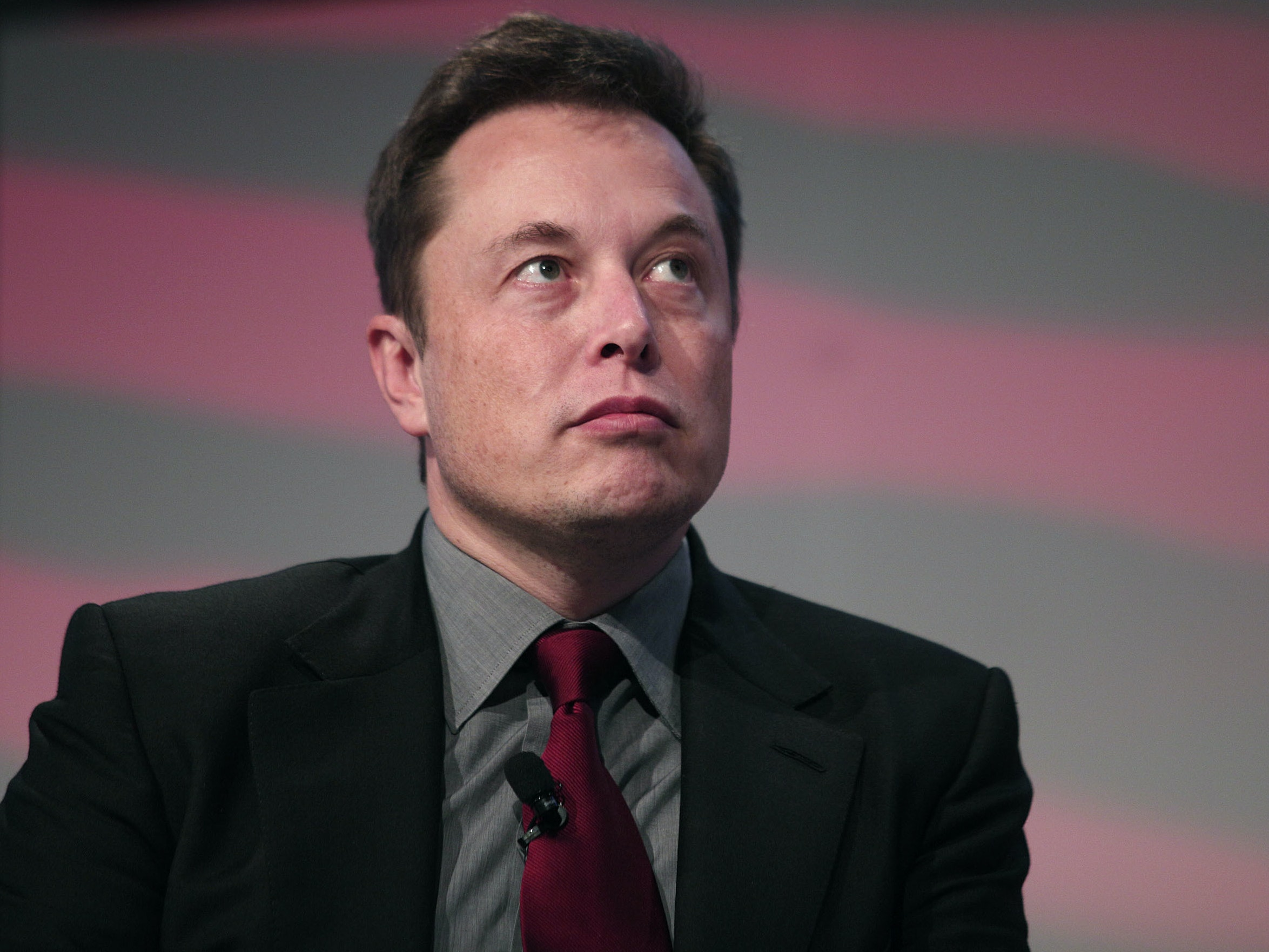 "Author Says Elon Musk's Mars Plan Is a ""1920s Sci-Fi Cliché"""