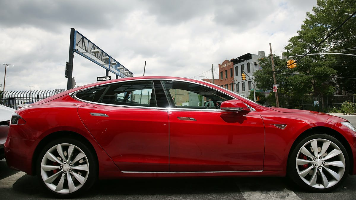 How Do Electric Vehicle Tax Credits Work A Yst Says To Take Advantage Inverse