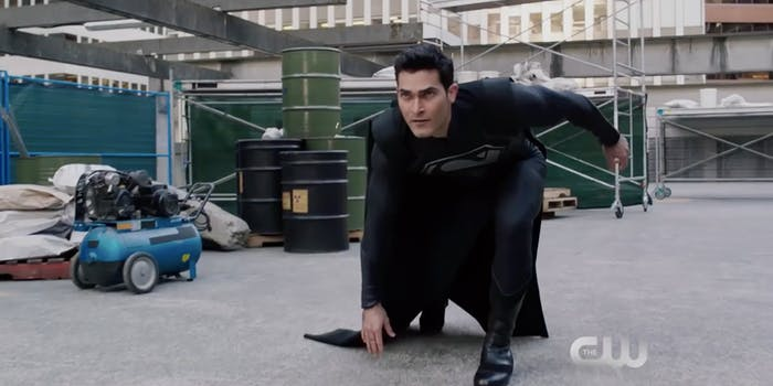 Black Suit Superman Arrowverse Elseworlds