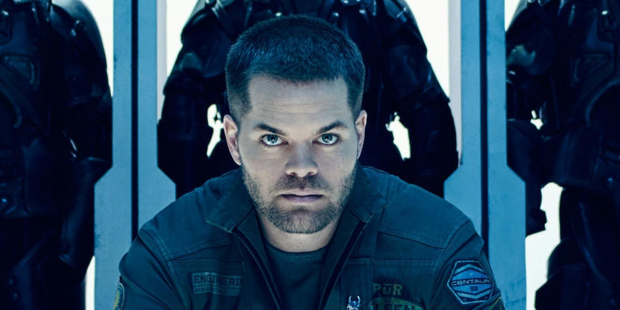 https://fsmedia.imgix.net/76/5d/d6/6f/d912/469d/af85/1479050601a5/wes-chatham-as-amos-in-the-expanse.jpeg?rect=30,0,900,450&dpr=1&auto=format&q=75