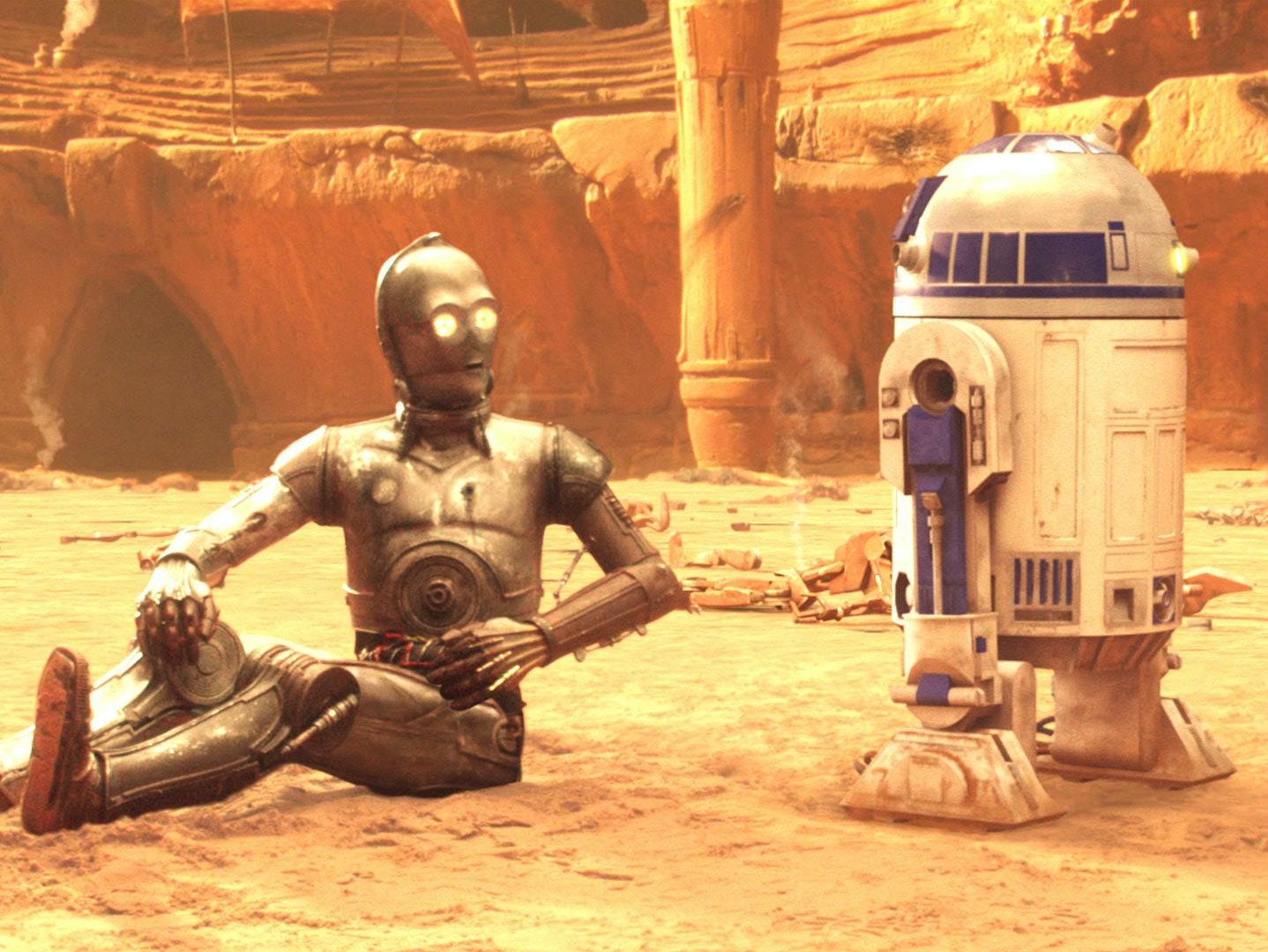 "Star Wars Director: C-3PO and R2-D2 Have a ""Sexual Relationship"""