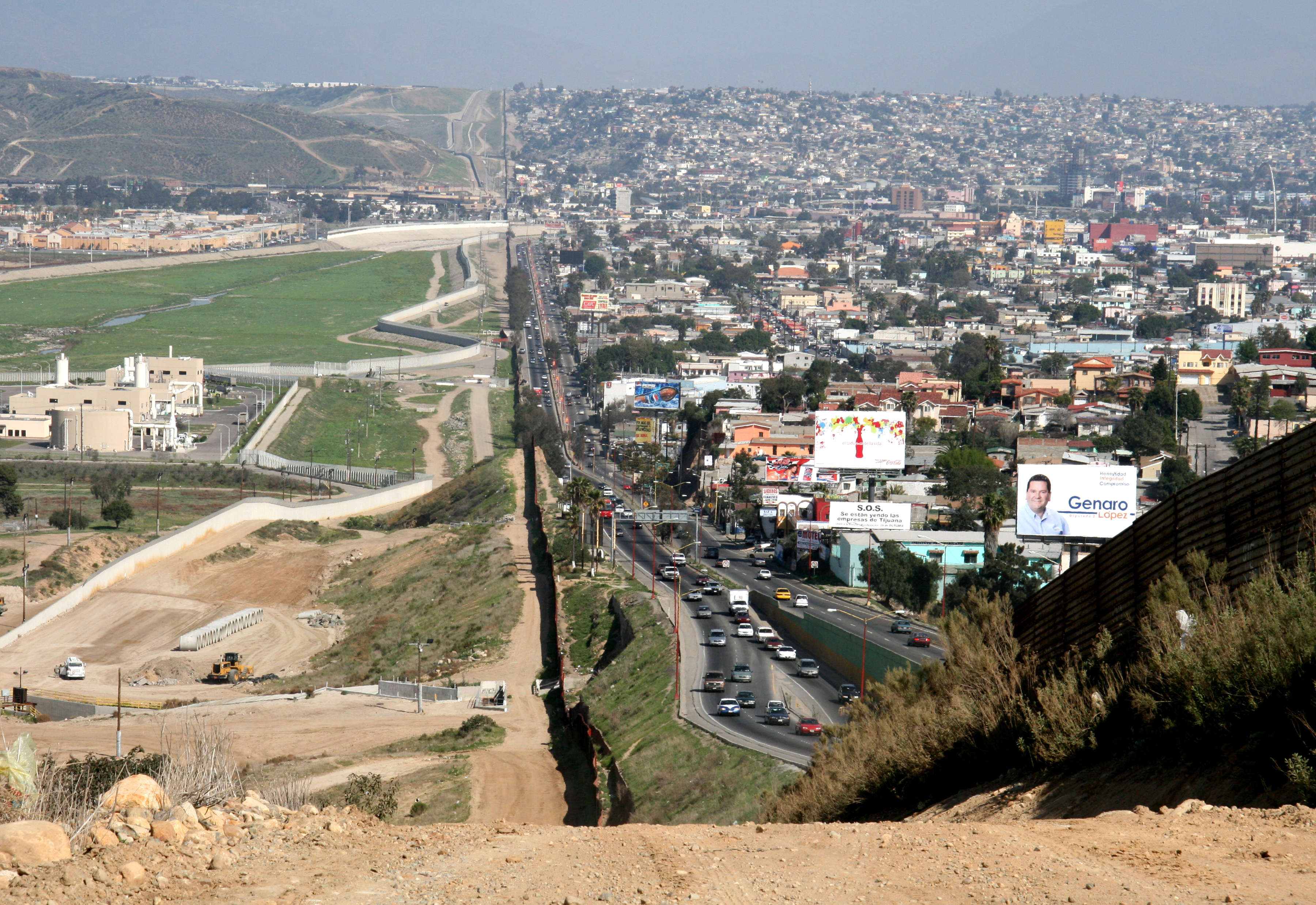 On the right is Tijuana, on the left is San Diego.