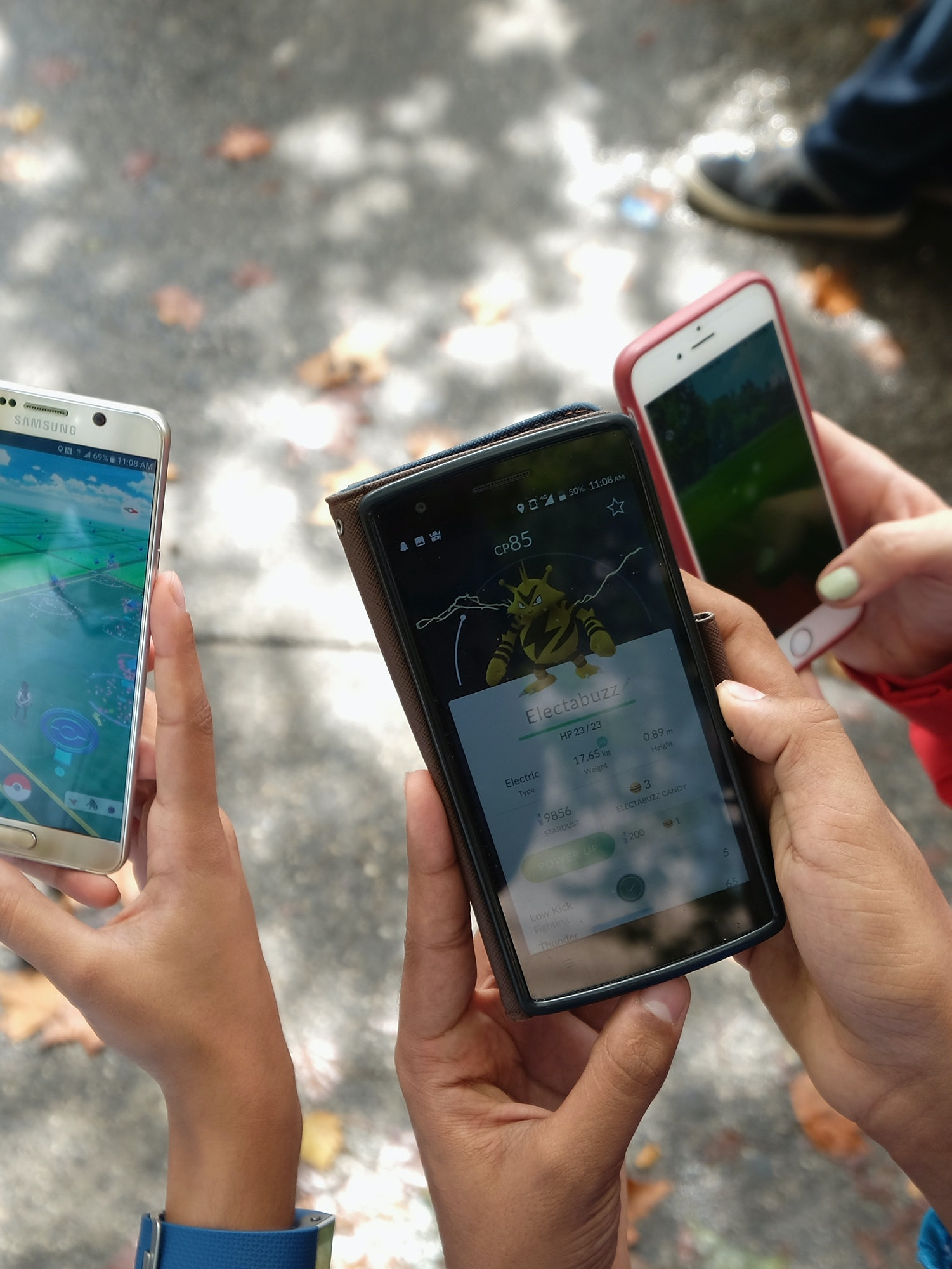 NEW YORK, NY - JULY 29:  Children play Pokemon Go in Central Park as Pokemon Go craze hits New York City on July 29, 2016 in New York City.  (Photo by Michael Loccisano/Getty Images)