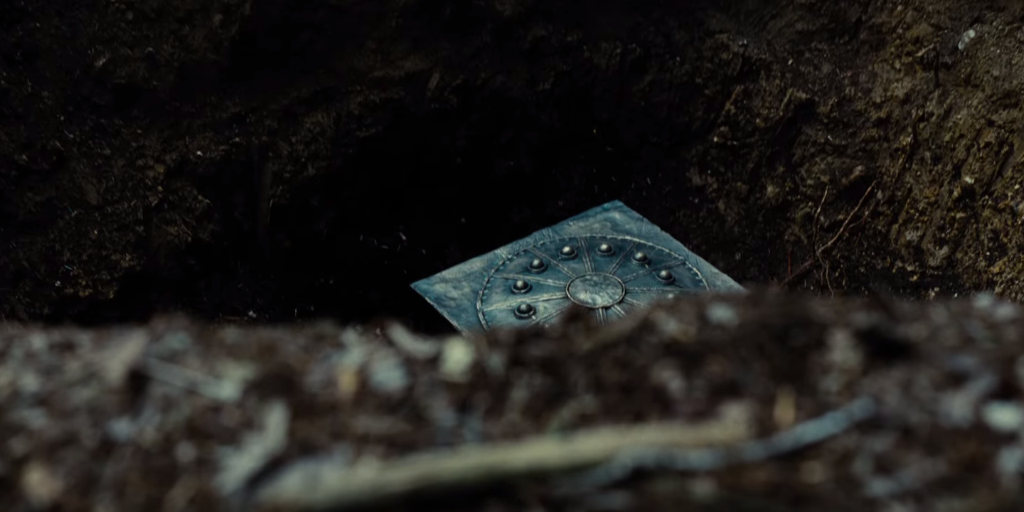 What's in the Mysterious Box in the 'Justice League' Teaser?