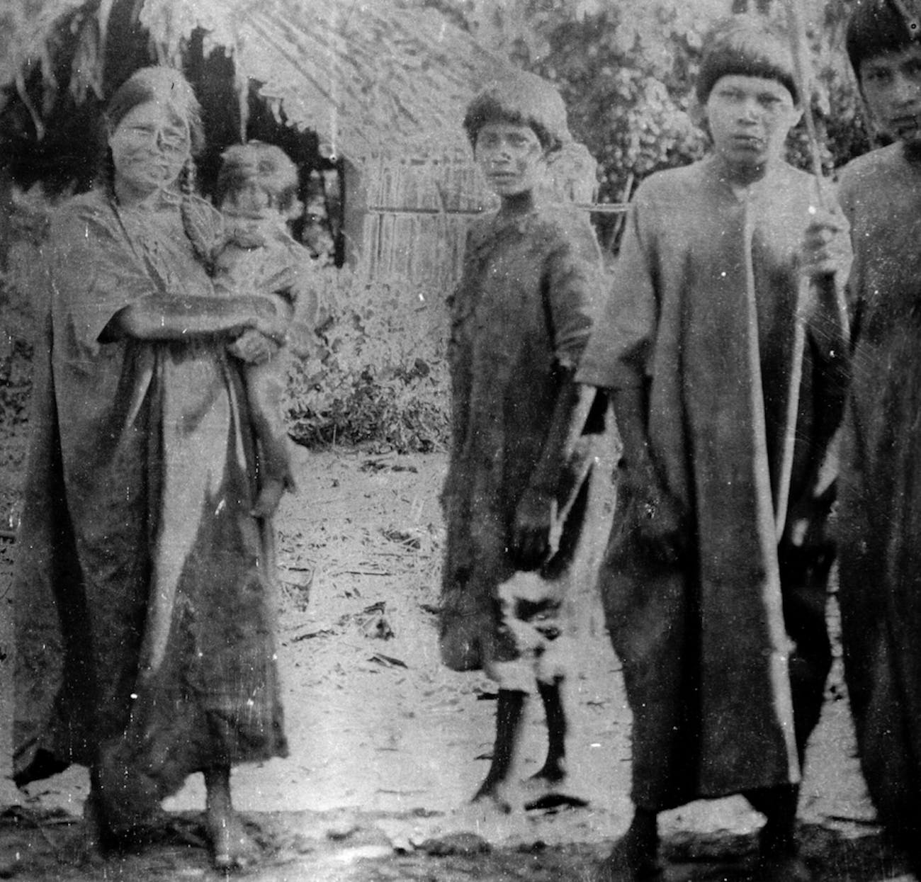 This photo, taken in 1912 during anthropologist Erland Nordenskiöld's trip to Bolivia, shows a group of Tsimané people.