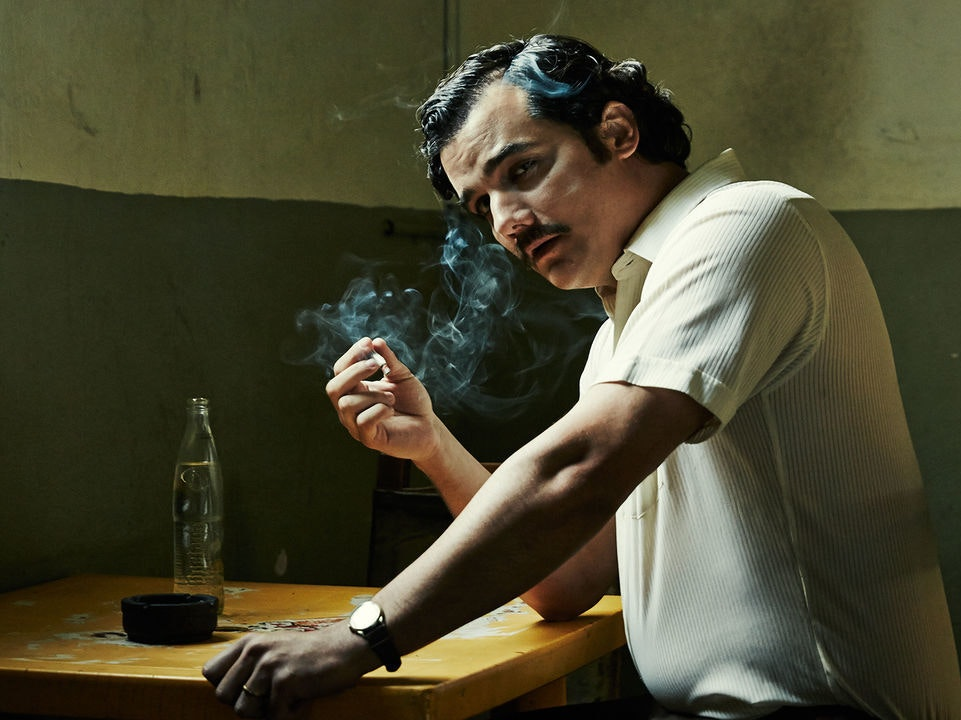Everyone Tries to Kill Pablo in the Narcos Season 2 Trailer