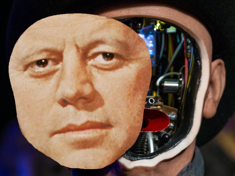 Technoprogressivism's man in black saddles up again.