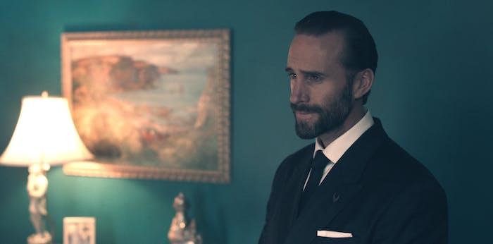 Joseph Fiennes as the Commander