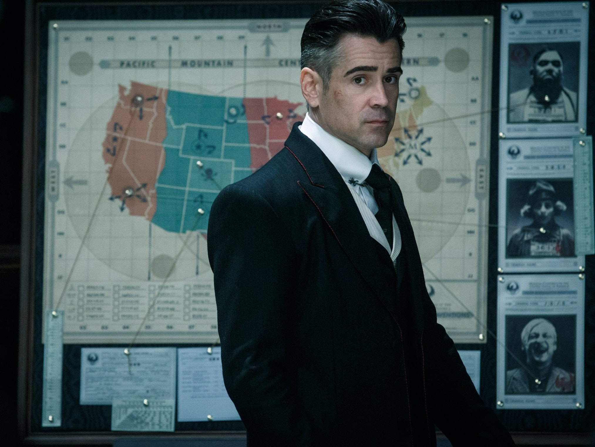 Colin Farrell as Percival Graves/ Grindelwald