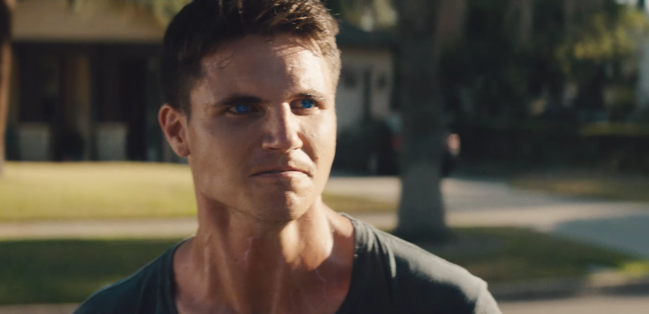Robbie Amell Robbie Amell new picture