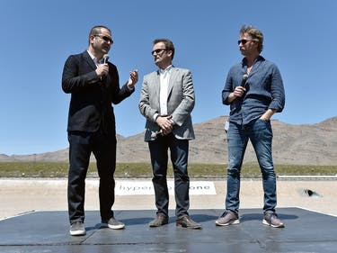 """Hyperloop One Sues for $250 Million, Says """"Noose"""" Was a Lasso"""