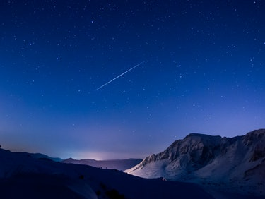Tonight's Supermoon Will Ruin the Geminids Meteor Shower