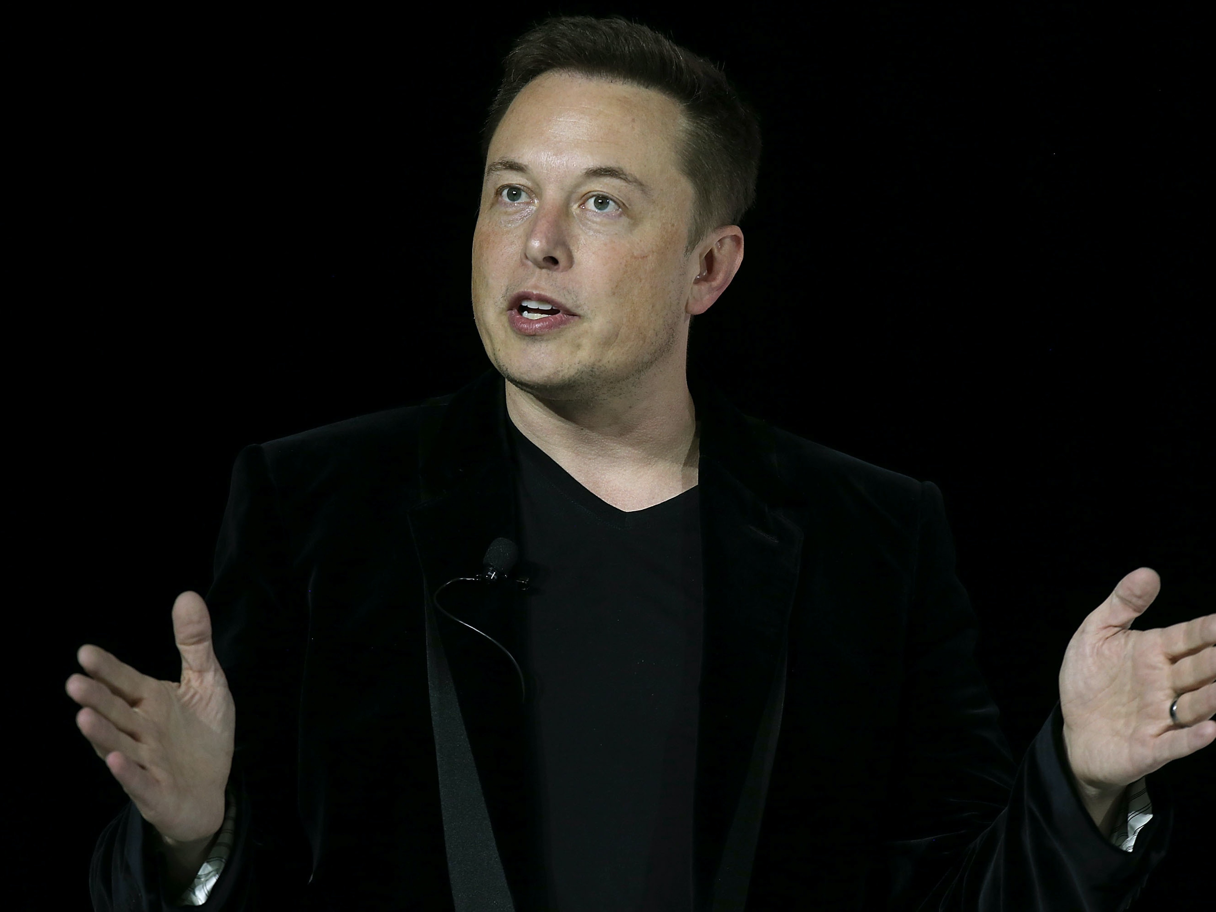 Elon Musk Doesn't Want to Put Lasers on Self-Driving Teslas