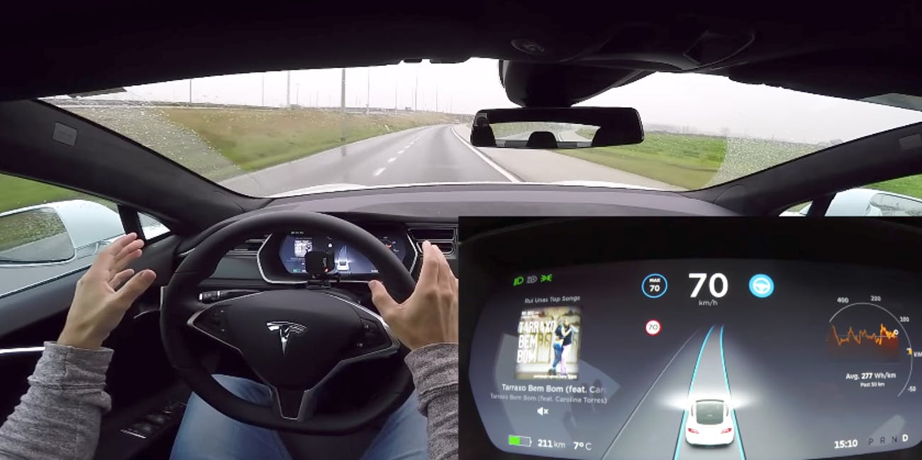 Tesla Autopilot: Fans Can Soon Try the New Autopilot Update for Free