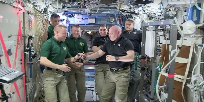Nasa iss scott kelly