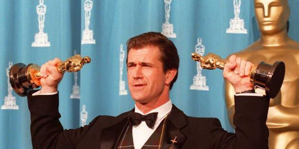 Mel Gibson with his Oscars from 1995's 'Braveheart.'