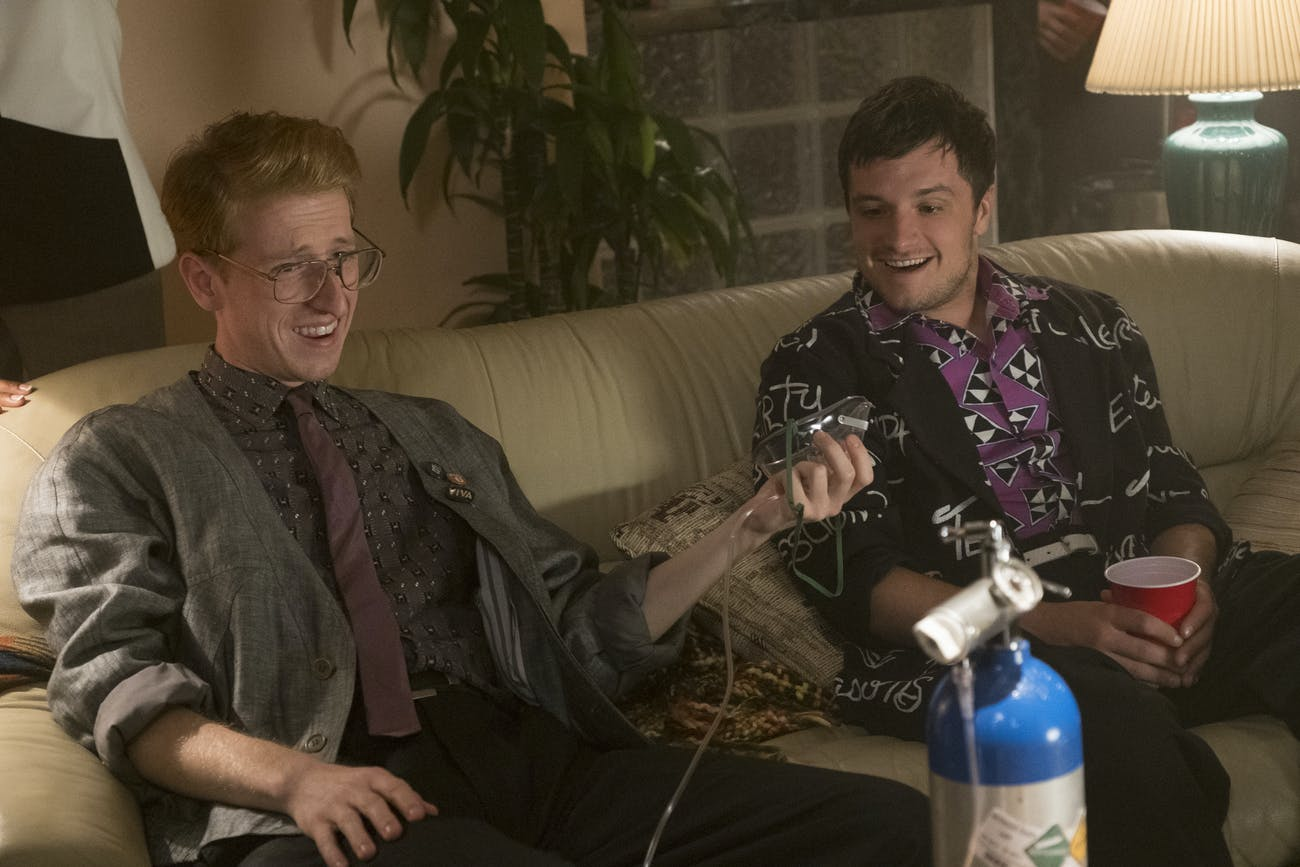 Josh parties with a younger version of his father in an episode that feels a lot like 'Back to the Future'.