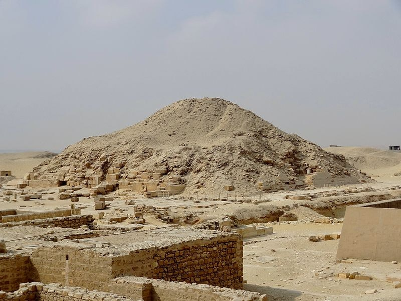 Jar of Ancient White Stuff Found in Egyptian Tomb Finally Identified
