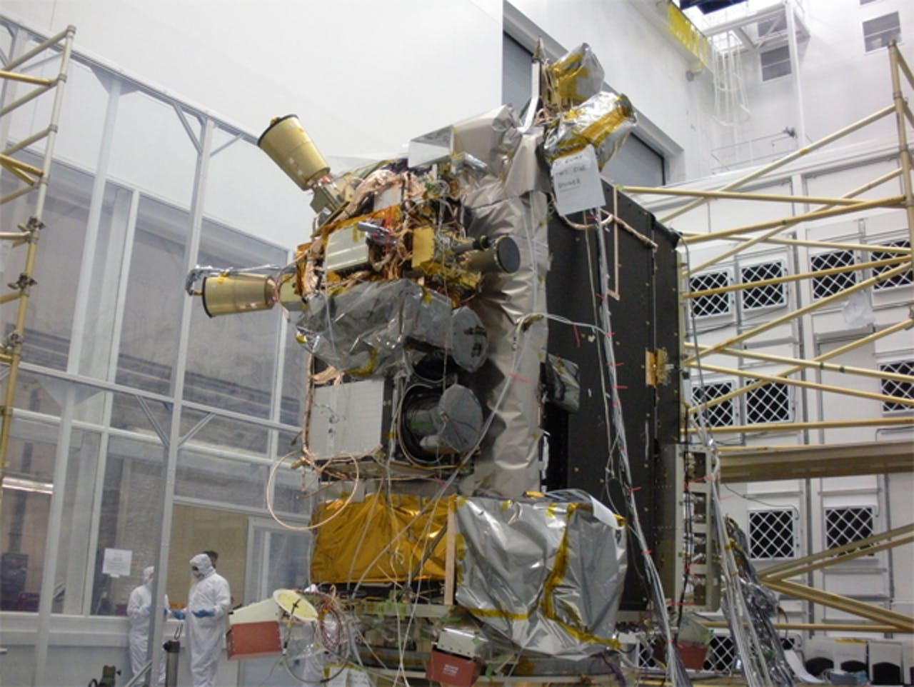 nasa lunar reconnaissance orbiter LRO