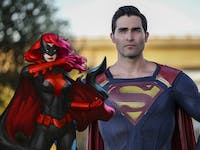 With Superman joining the Arrowverse crossover, could that mean Batwoman isn't on Earth-1?