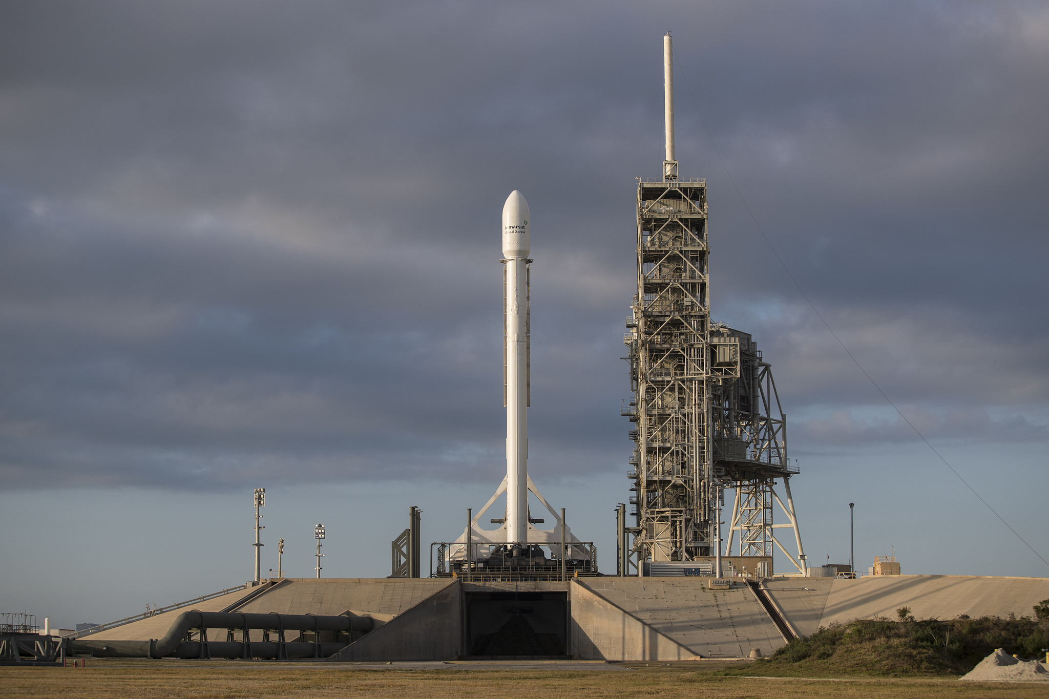 SpaceX Successfully Launches Inmarsat-5 F4 Satellite