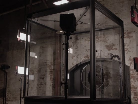 Everyone is Freaking Out Over a Glass Box in 'Twin Peaks'