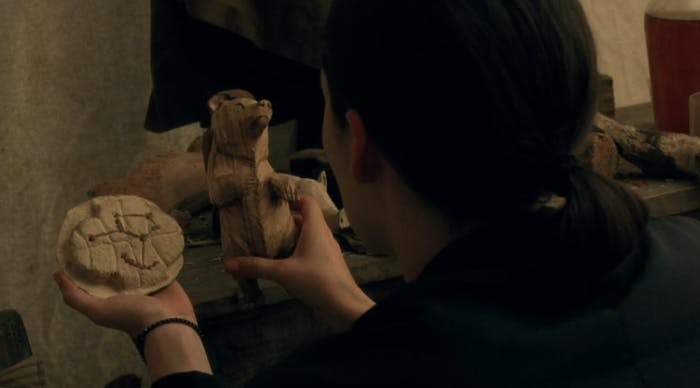 Elsie discovers the Woodcutter's knick-knacks in 'Westworld'.