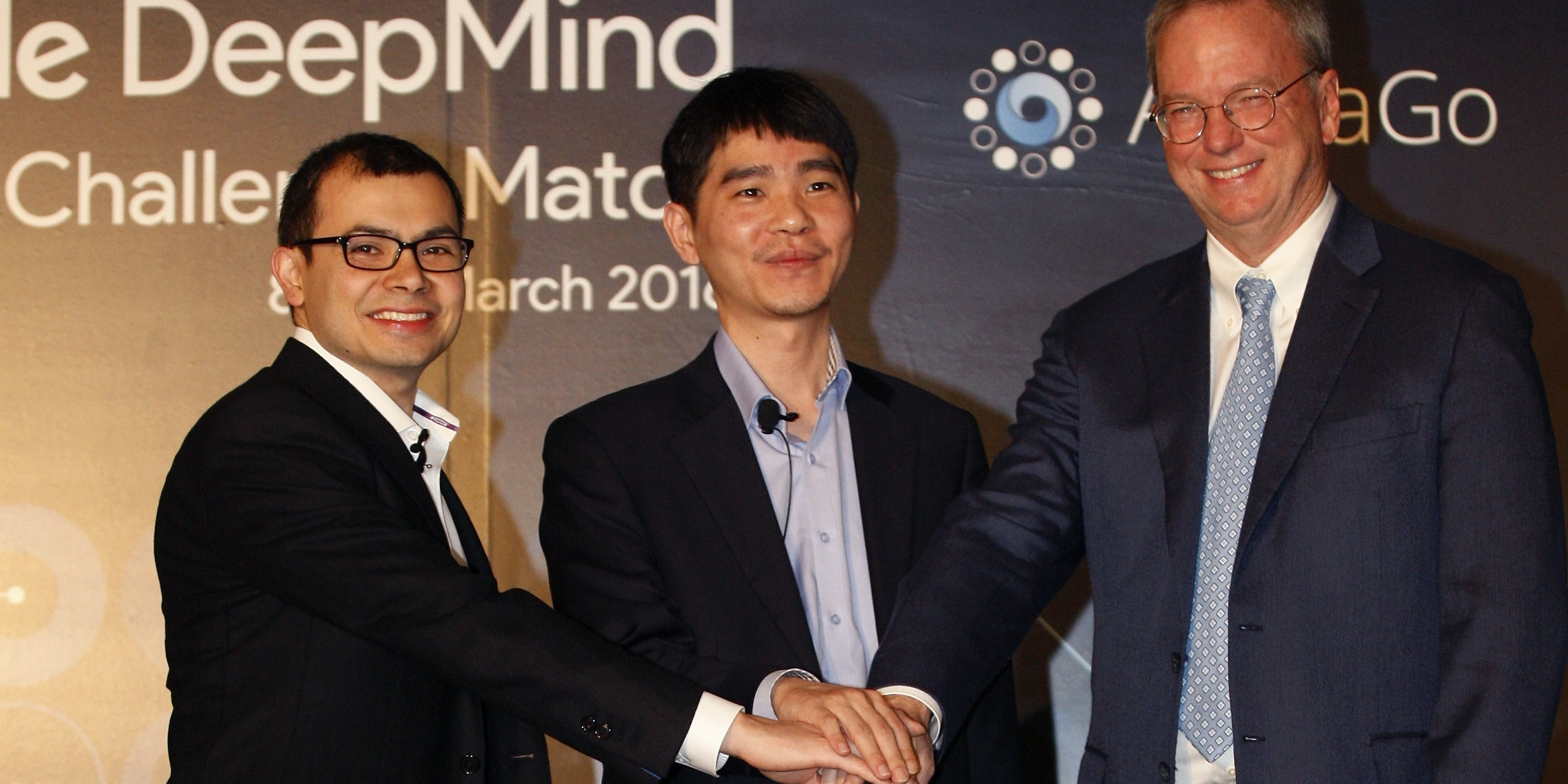Lee Sedol vs AlphaGo DeepMind.