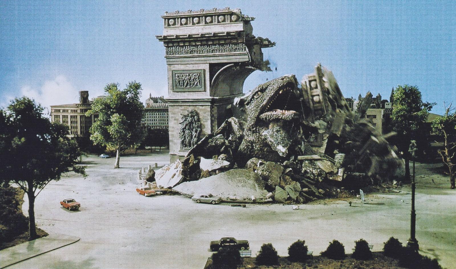 Gorosaurus burrows into Paris