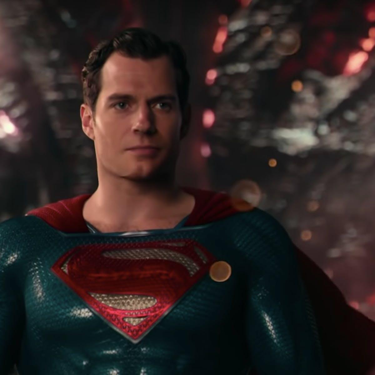 Zack Snyder shares new Snyder Cut image of Superman's alternate black suit