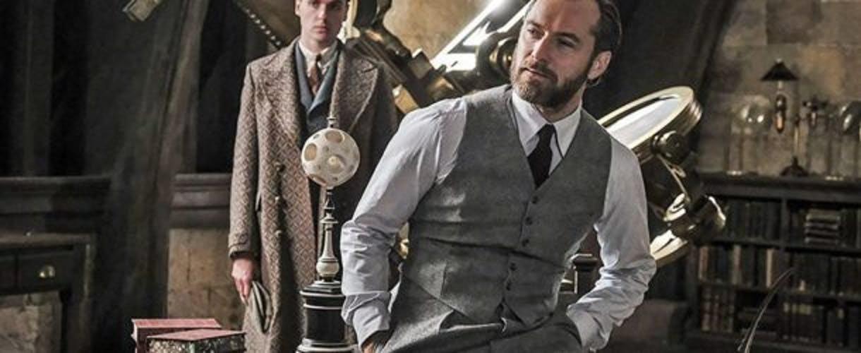 Jude Law is looking really good as Yung Dumbledore already.