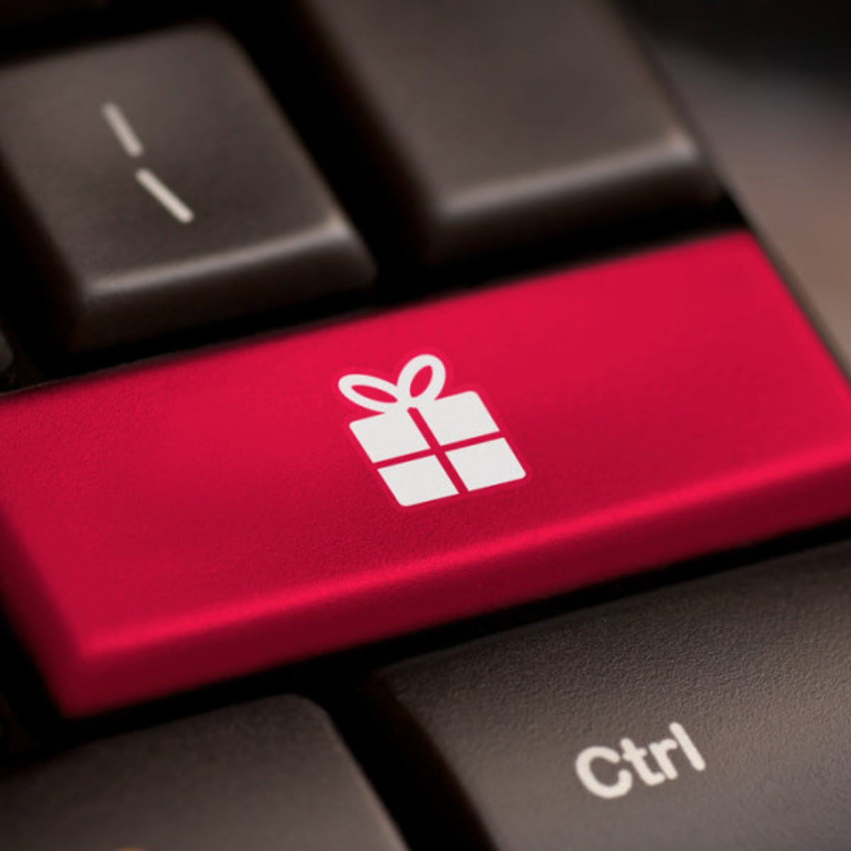 8 Incredible Gift Ideas For The Tech Lover