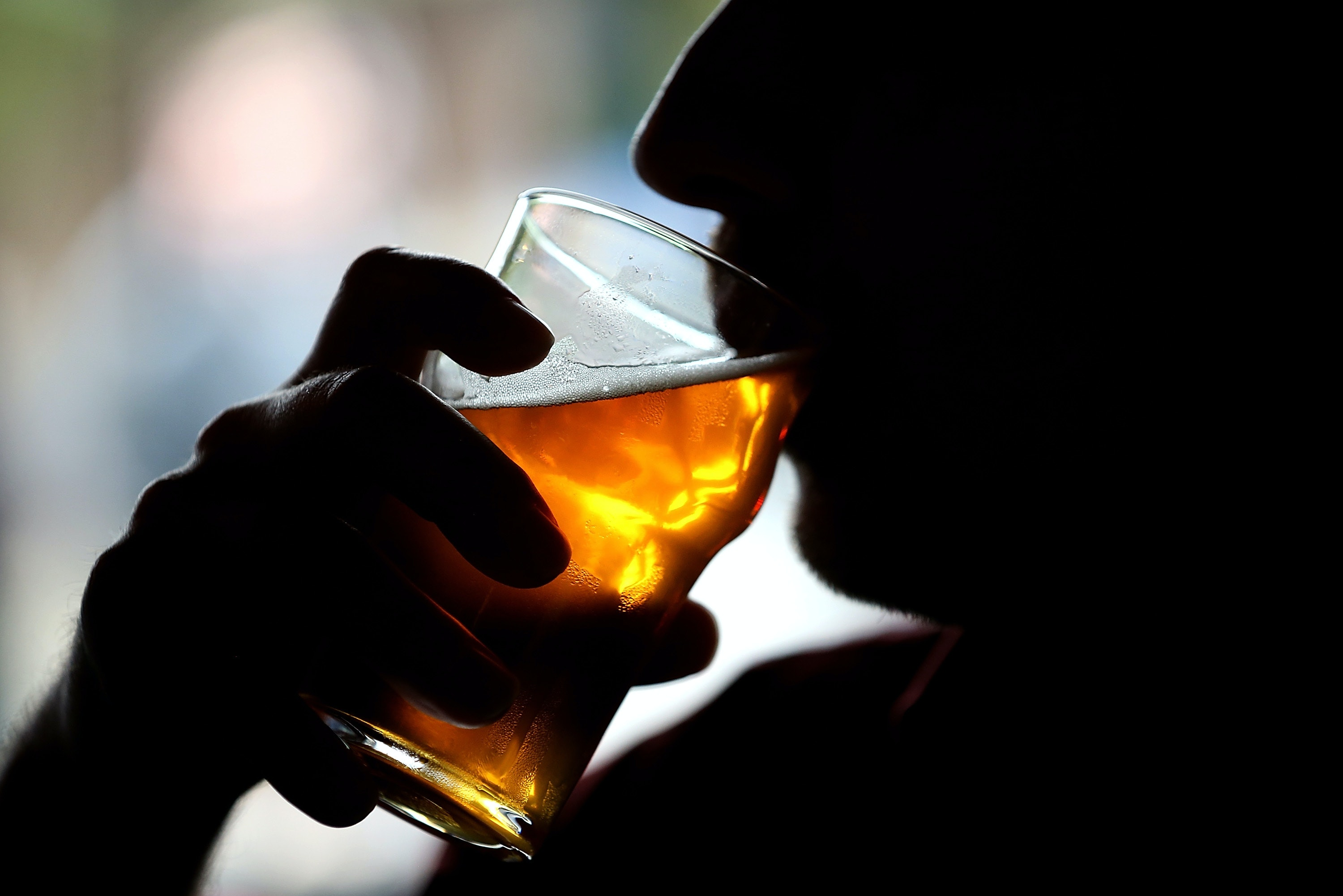The man in the stomach began to produce beer