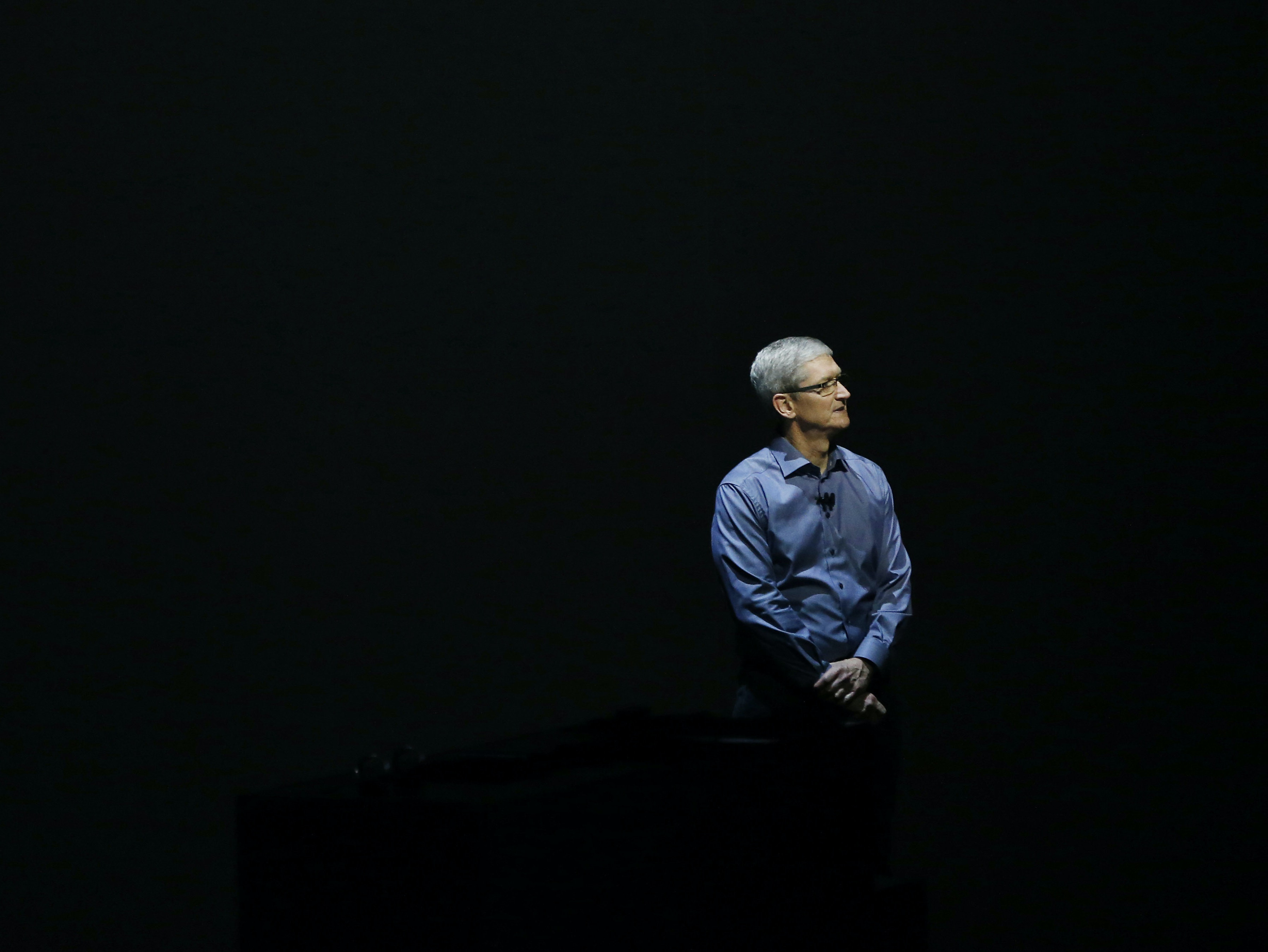 "Tim Cook Likes AR, Says ""There's No Substitute for Human Contact"""