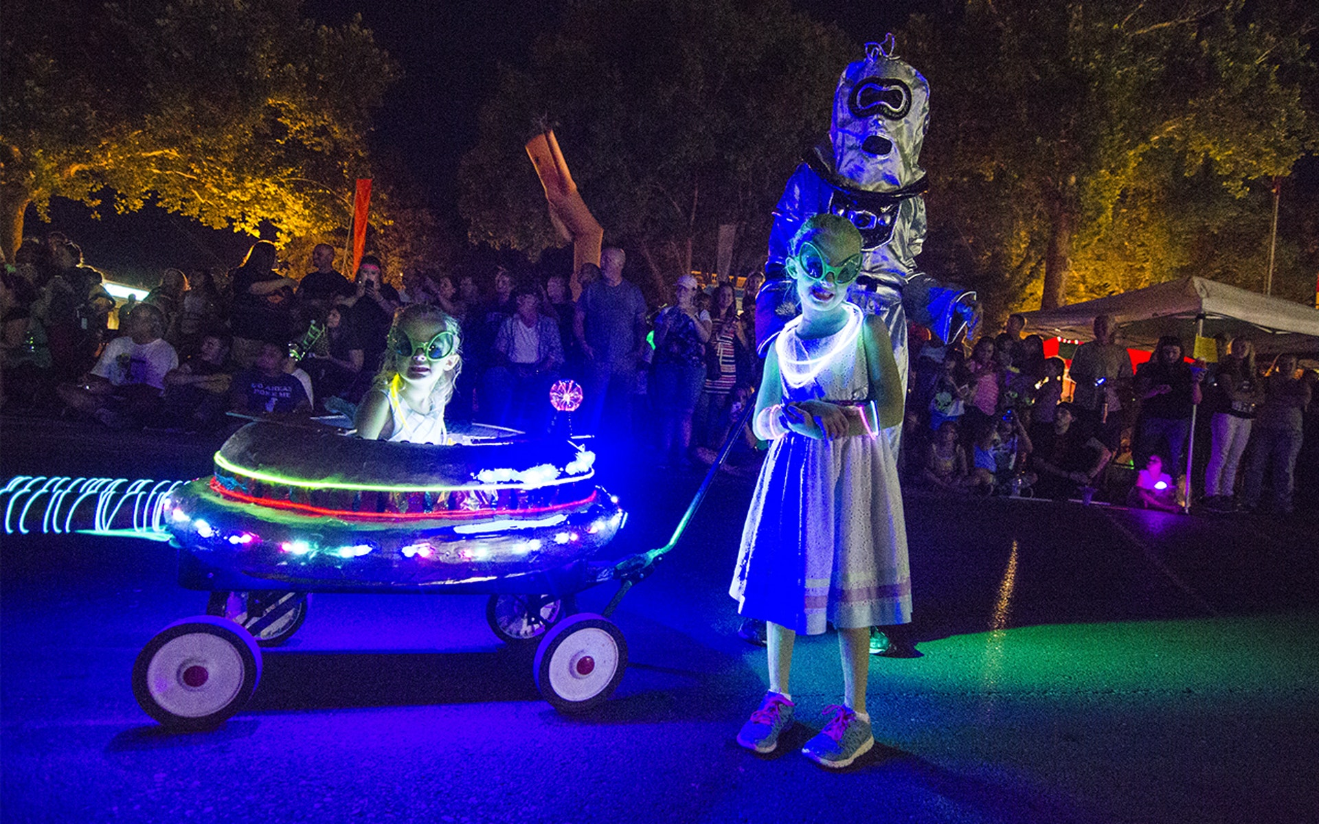 The expression on the small girl in the UFO wagon encapsulates how I felt about most of the festival.