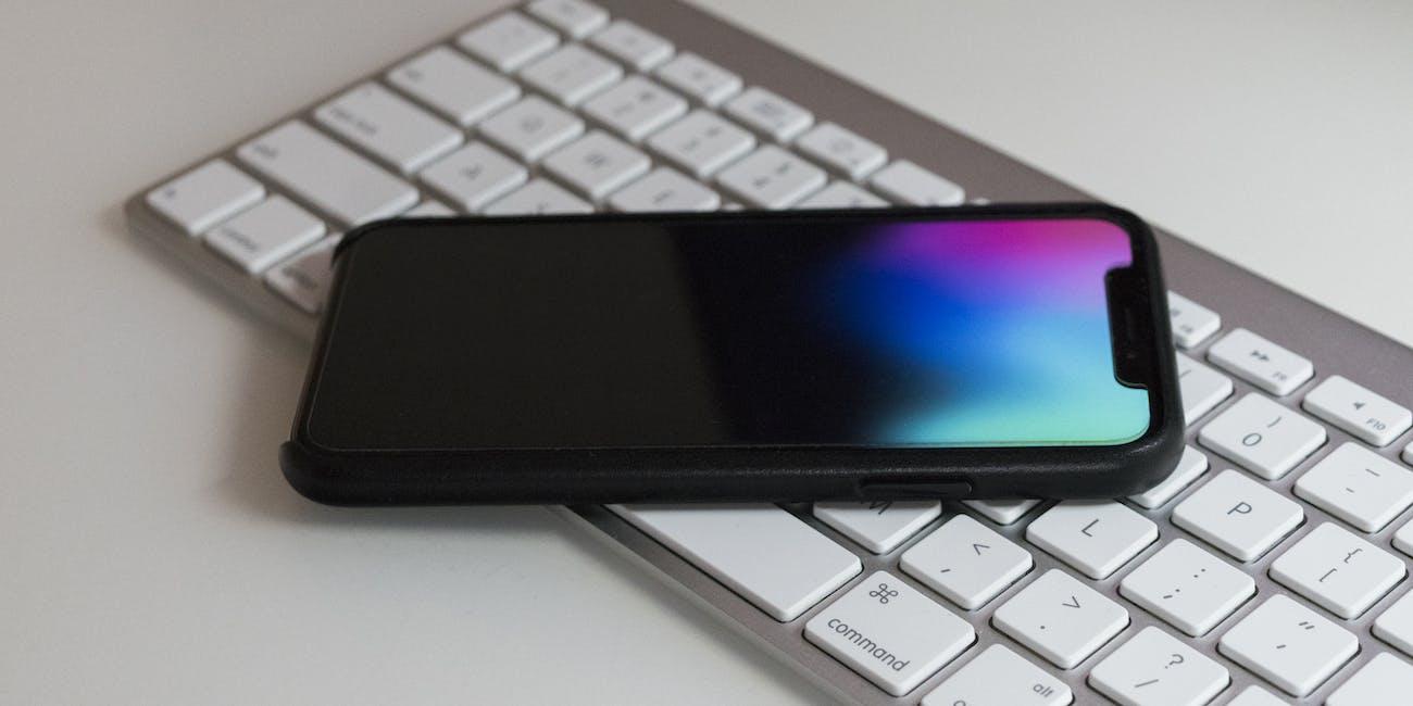 iPhone X on keyboard
