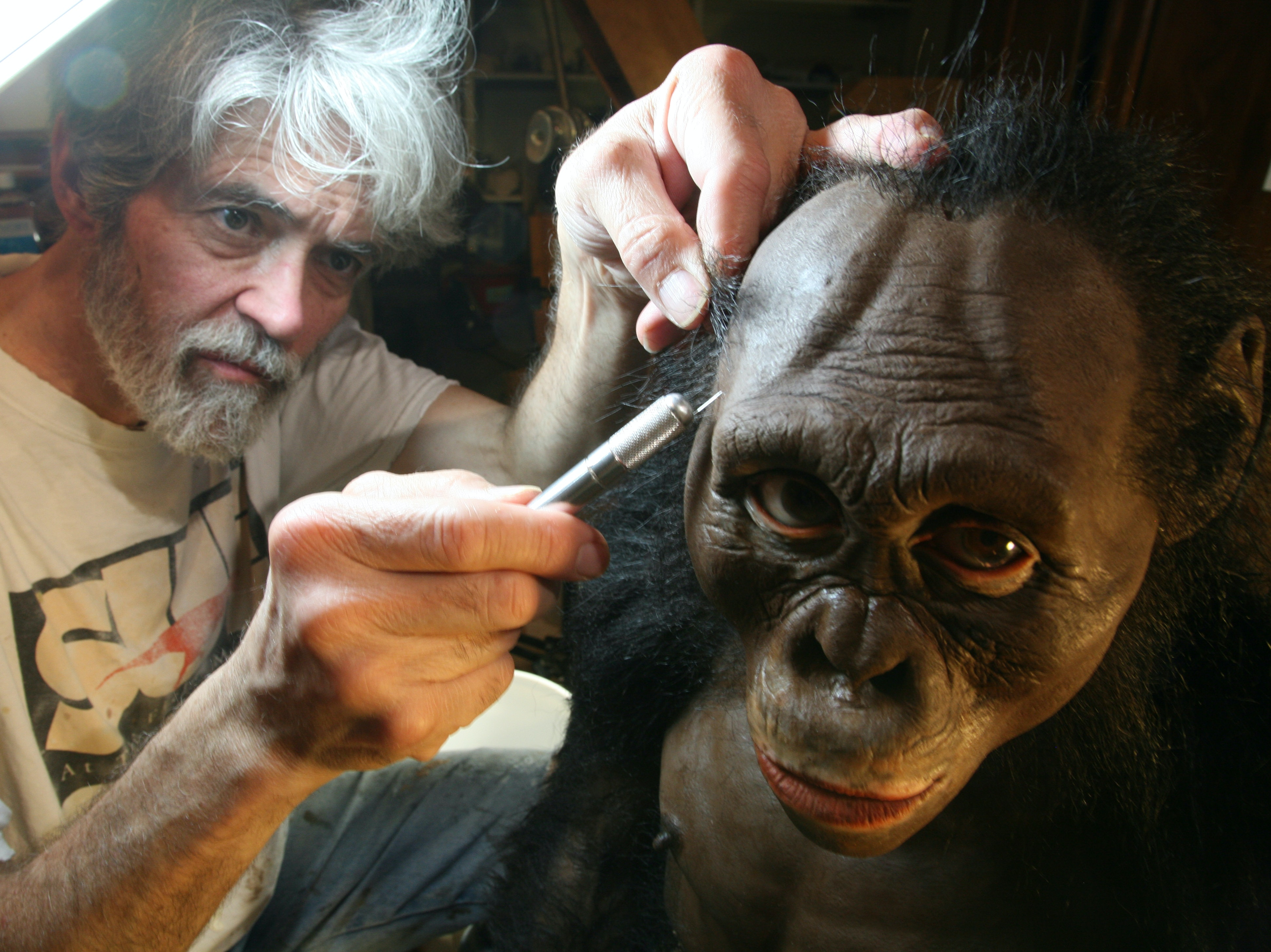 This Artist Brought Homo Naledi, Our Newly Found Human Ancestor, to Life