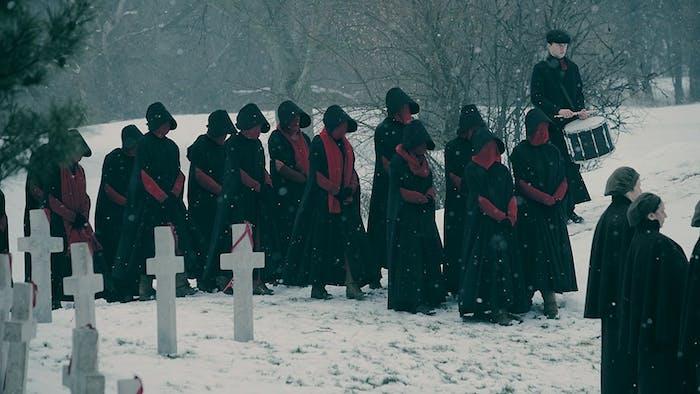 A Handmaid funeral in 'The Handmaid's Tale' Season 2