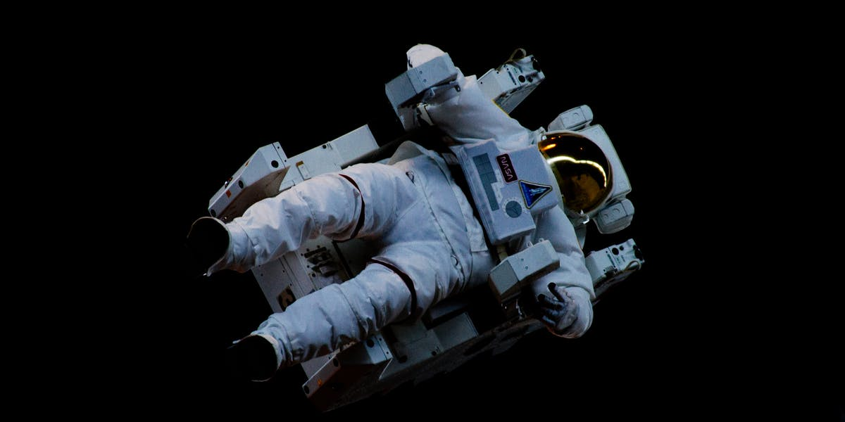 astronaut in space currently - photo #22
