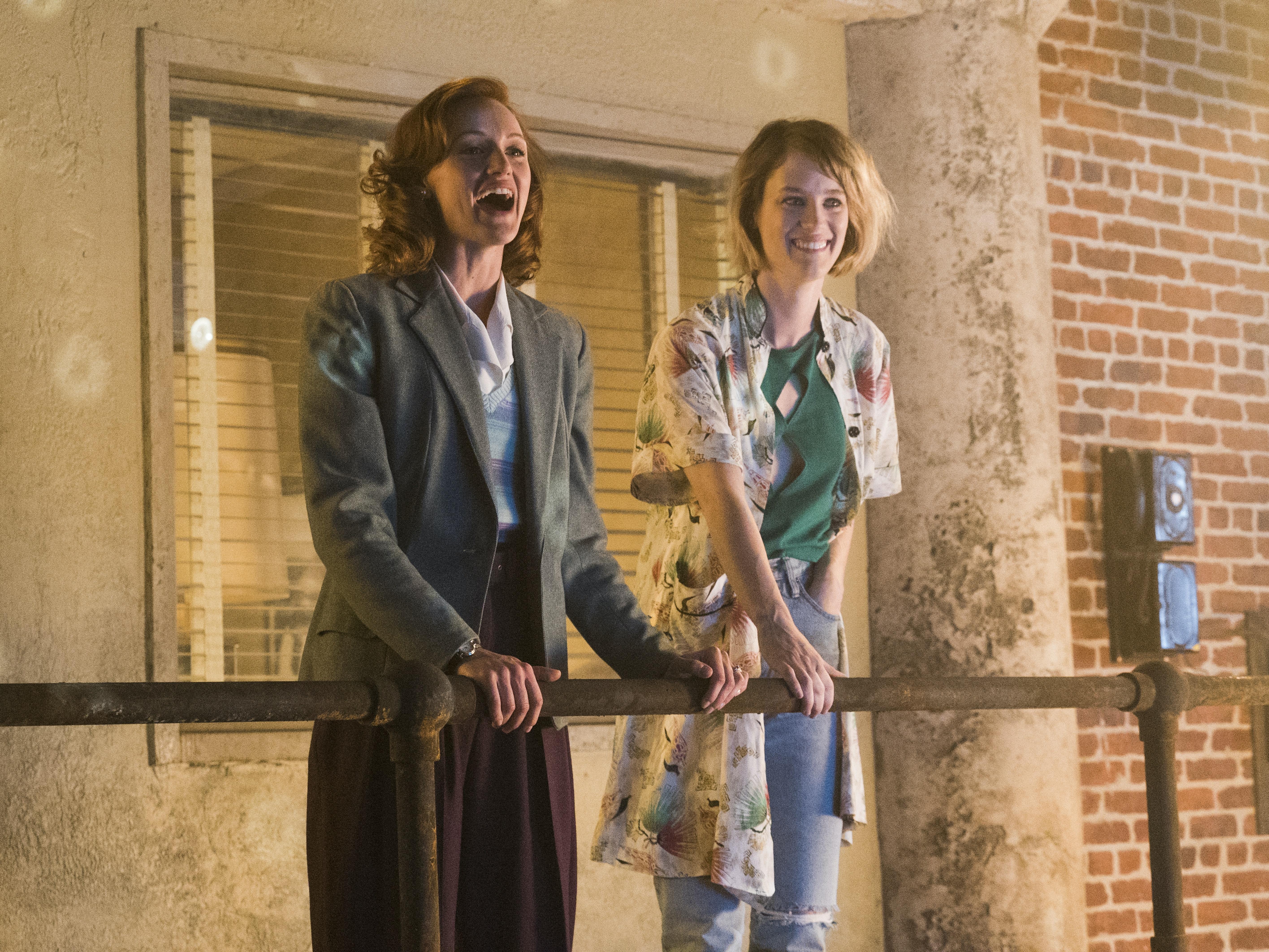Kerry Bishé and Mackenzie Davis in 'Halt and Catch Fire'