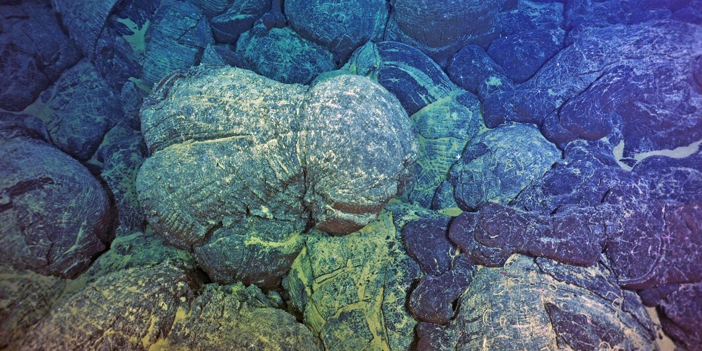 Volcanic Rock Discovery Calls Theories About Life's Origins Into Question