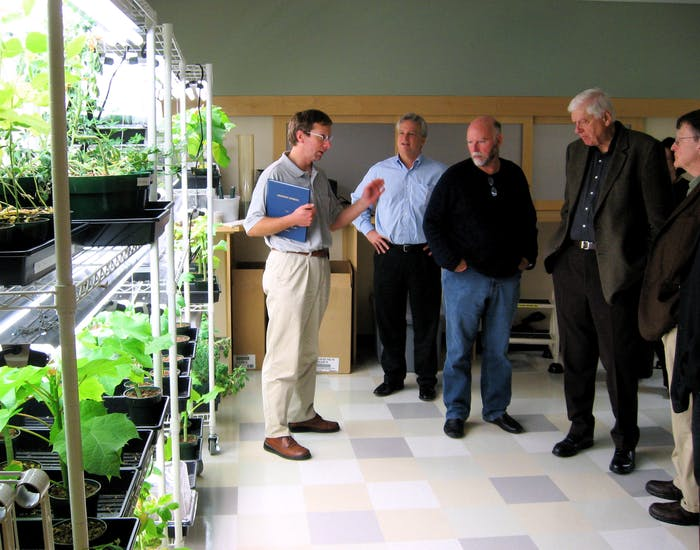 Listening to the technology on a plant lab tour The new Venter Institute building at UCSD will be carbon neutral.